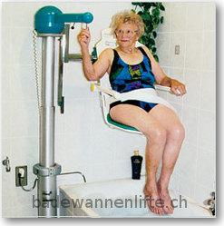 Der Badewannenlift mit grossem Standfuss